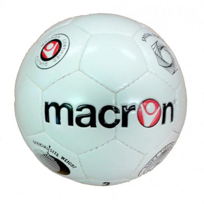 ballon de foot macron derby e1624374558699